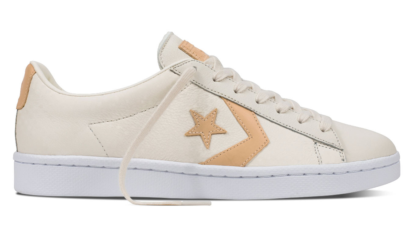 the best attitude 48891 b9368 Converse Pro Leather 76 Tumbled Leather Low Top Egret